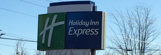 Holiday Inn Express road sign