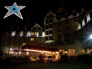 A view of the Hotel Roanoke at night